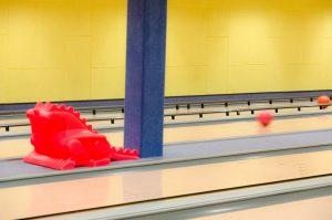 Bowling Quellenhof Bumper und Ballrampe (rot) von der Seite