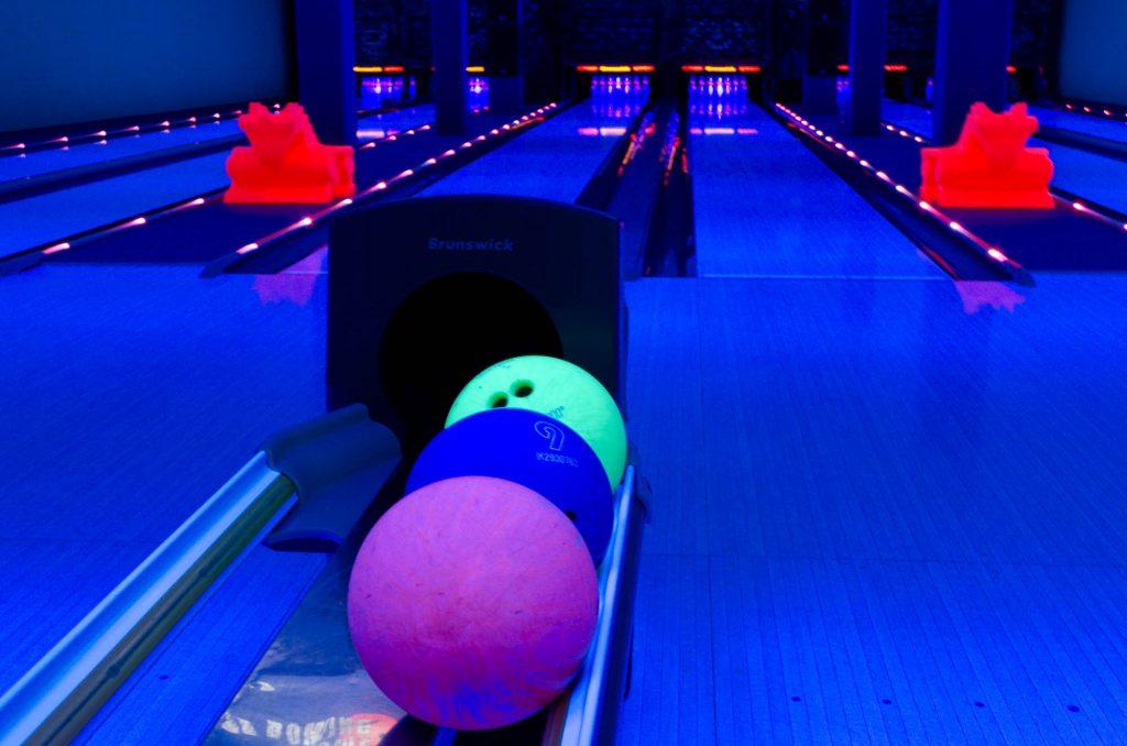 Bowling Bad Neuenahr Schwarzlicht Atmosphäre